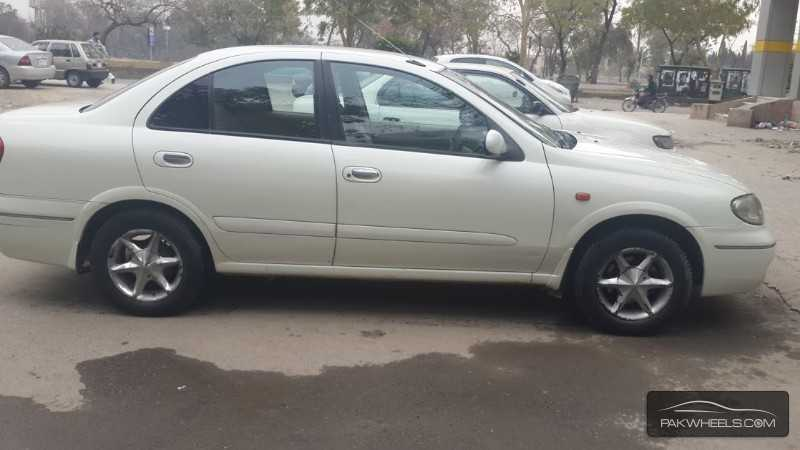Nissan Sunny EX Saloon 1.3 (CNG) 2005 Image-3
