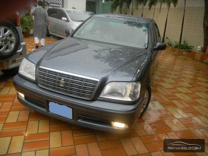 Toyota Crown Royal Saloon G 2001 Image-1