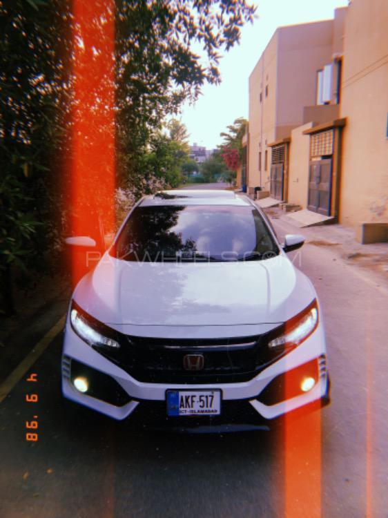 Honda Civic - 2018  Image-1