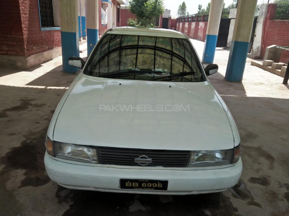 Nissan Sunny EX Saloon 1.3 (CNG) 1992 Image-1