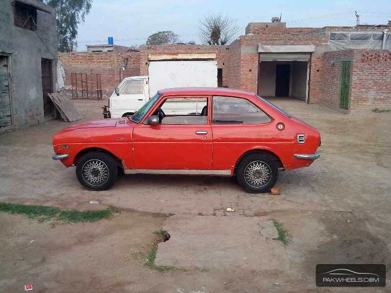 toyota corolla 1976 for sale in lahore pakwheels. Black Bedroom Furniture Sets. Home Design Ideas