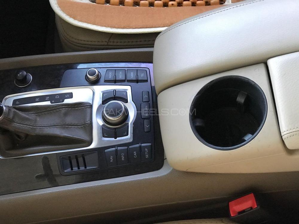 Audi Q7 3.0 TDI 2008 Image-1