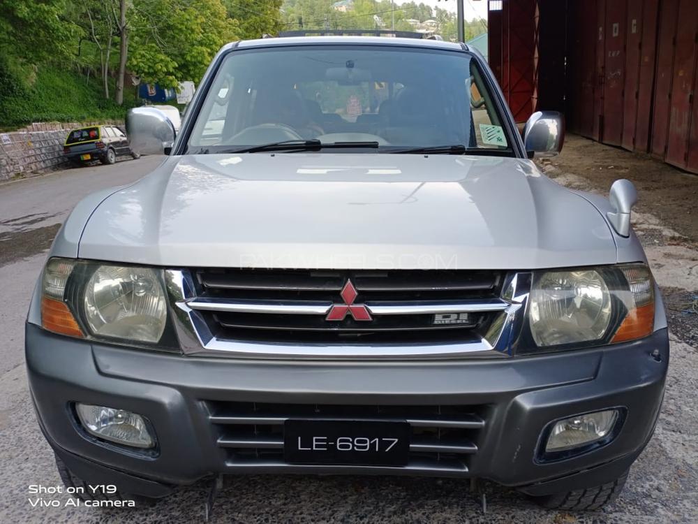 Mitsubishi Pajero GLS 3.5 2000 Image-1