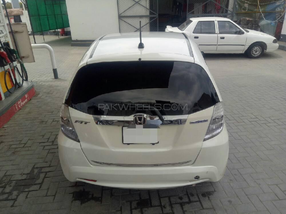 Honda Fit 1.3 Hybrid Navi Premium Selection 2011 Image-1