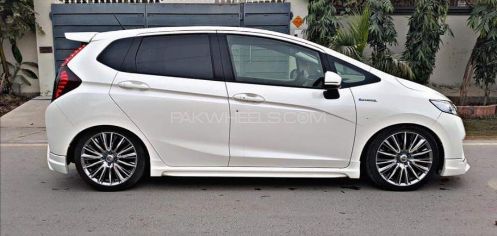 Honda Fit - 2014  Image-1