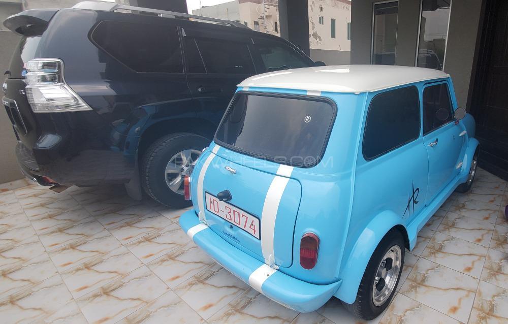 Austin Mini - 1961  Image-1