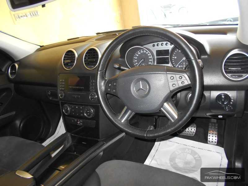 Mercedes benz m class ml 320 2006 for sale in lahore for Mercedes benz m class 2006