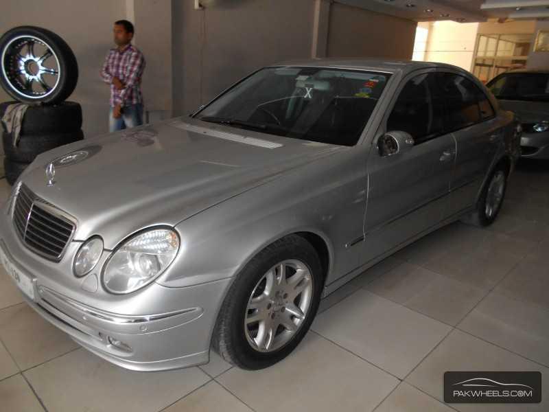 Mercedes Benz E Class E270 CDI 2004 Image-3