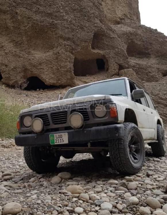 Nissan Patrol - 1989  Image-1