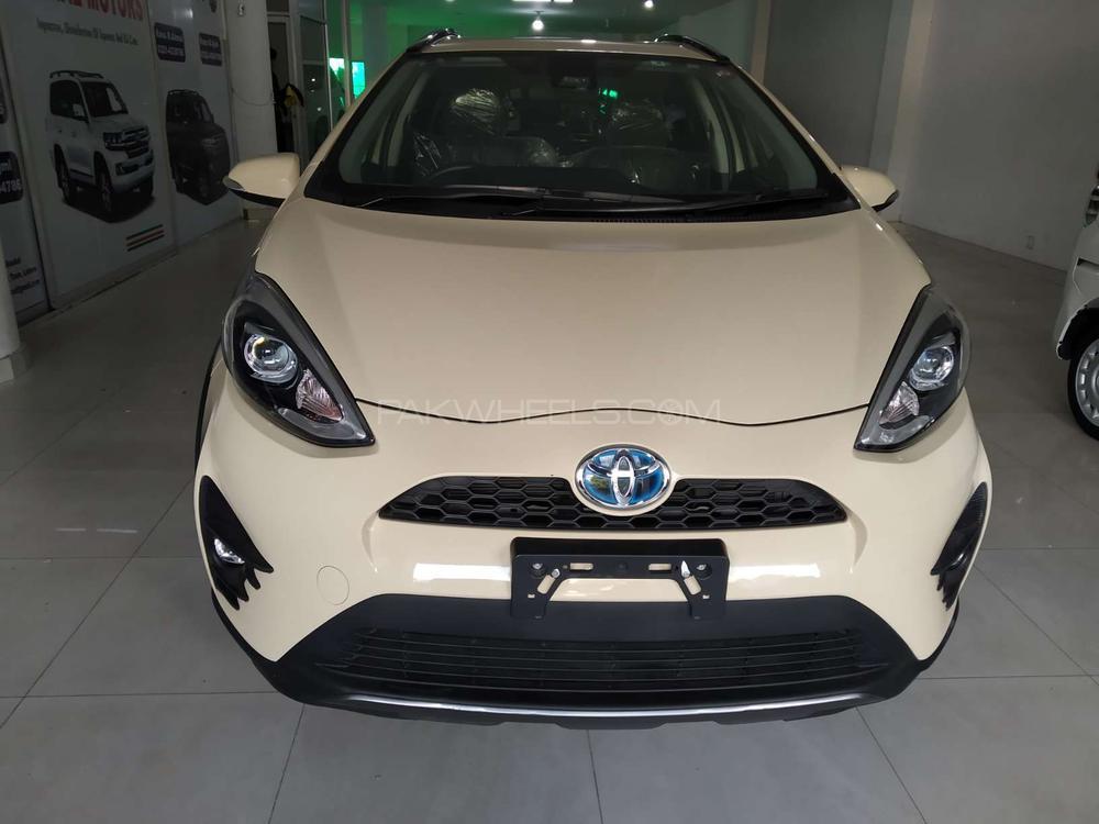 Toyota Aqua Crossover 2017 Image-1