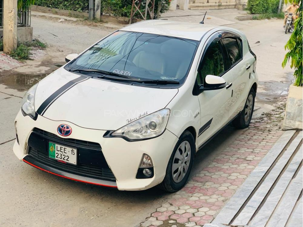Toyota Aqua - 2015  Image-1