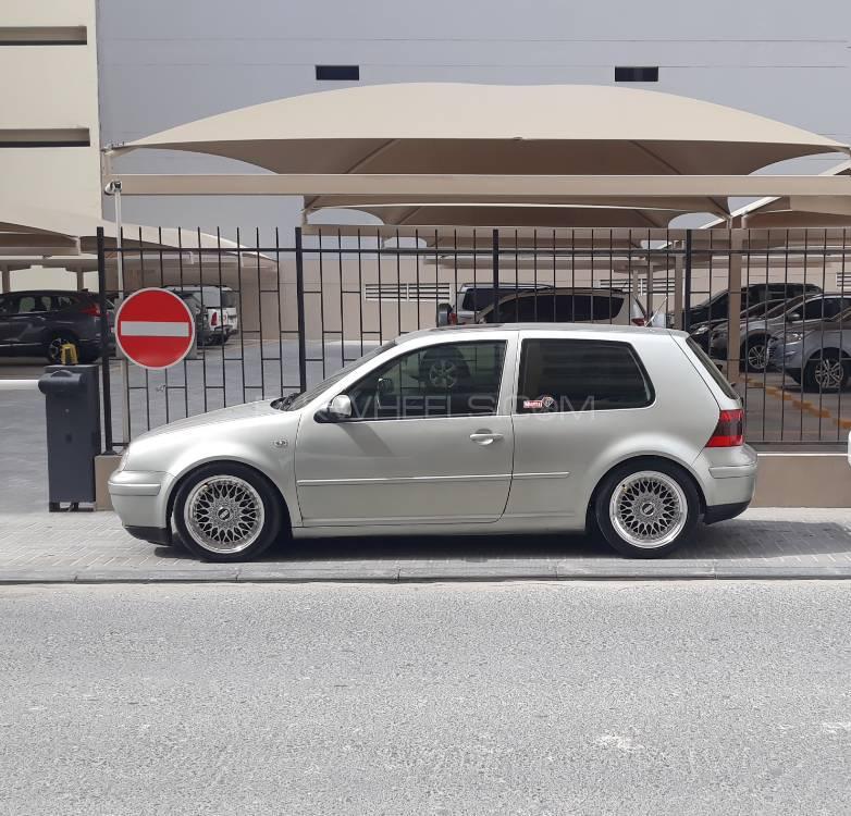Volkswagen Golf - 2000  Image-1