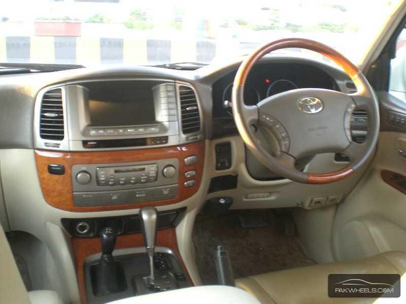 Toyota Land Cruiser Cygnus 2003 Image-8