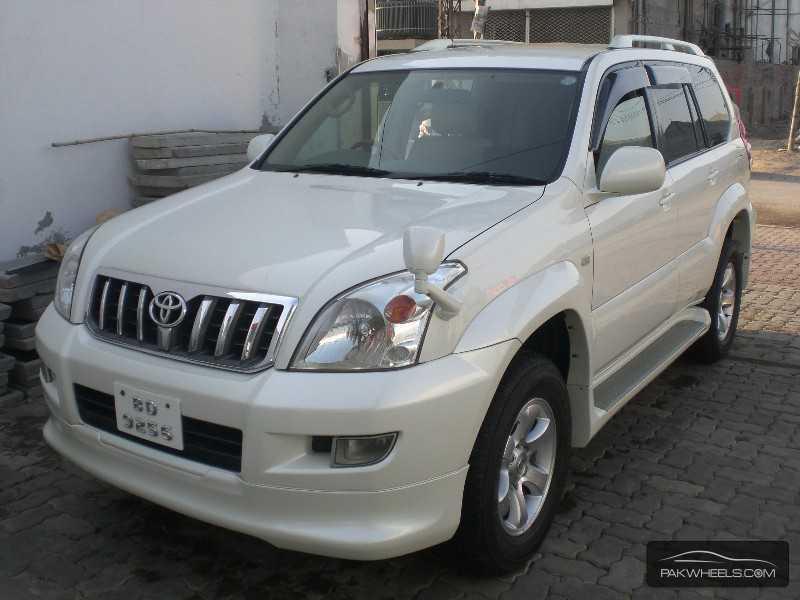 Toyota Land Cruiser Cygnus 2003 Image-2