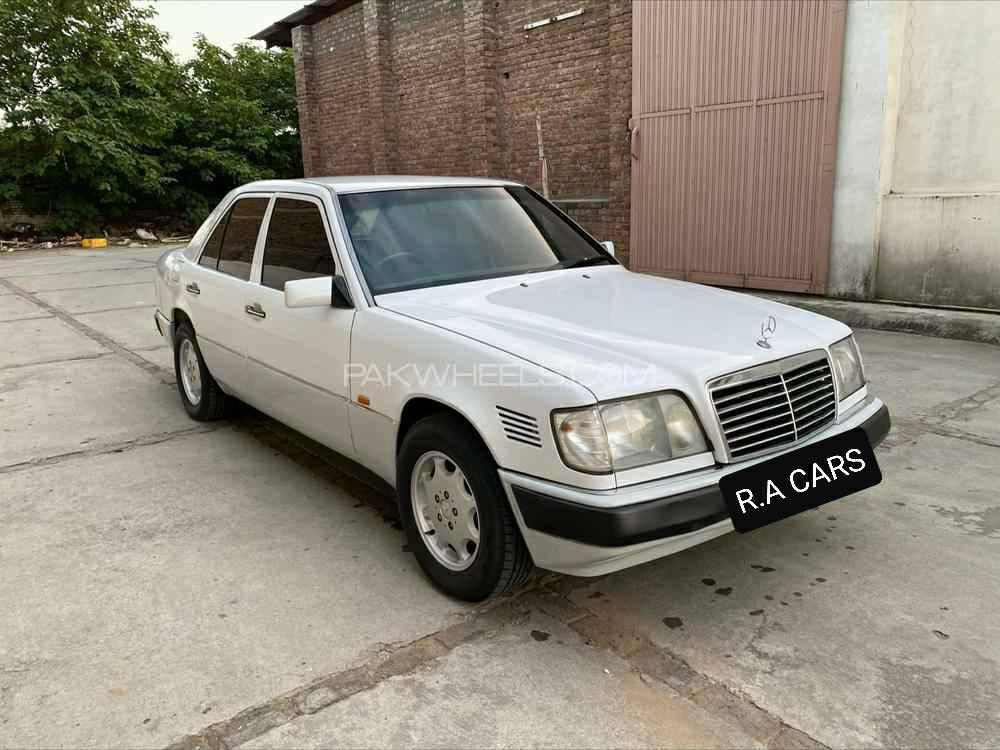Mercedes Benz E Class E300 1989 Image-1