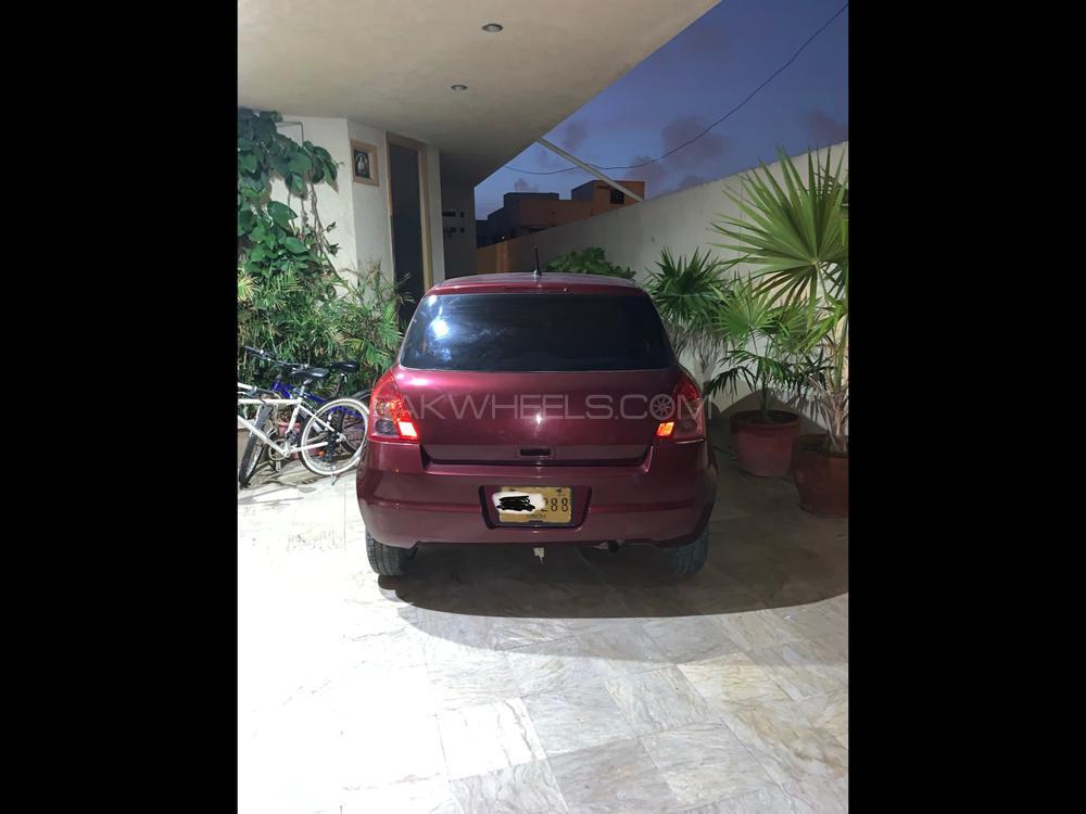 Suzuki Swift DX 1.3 2012 Image-1