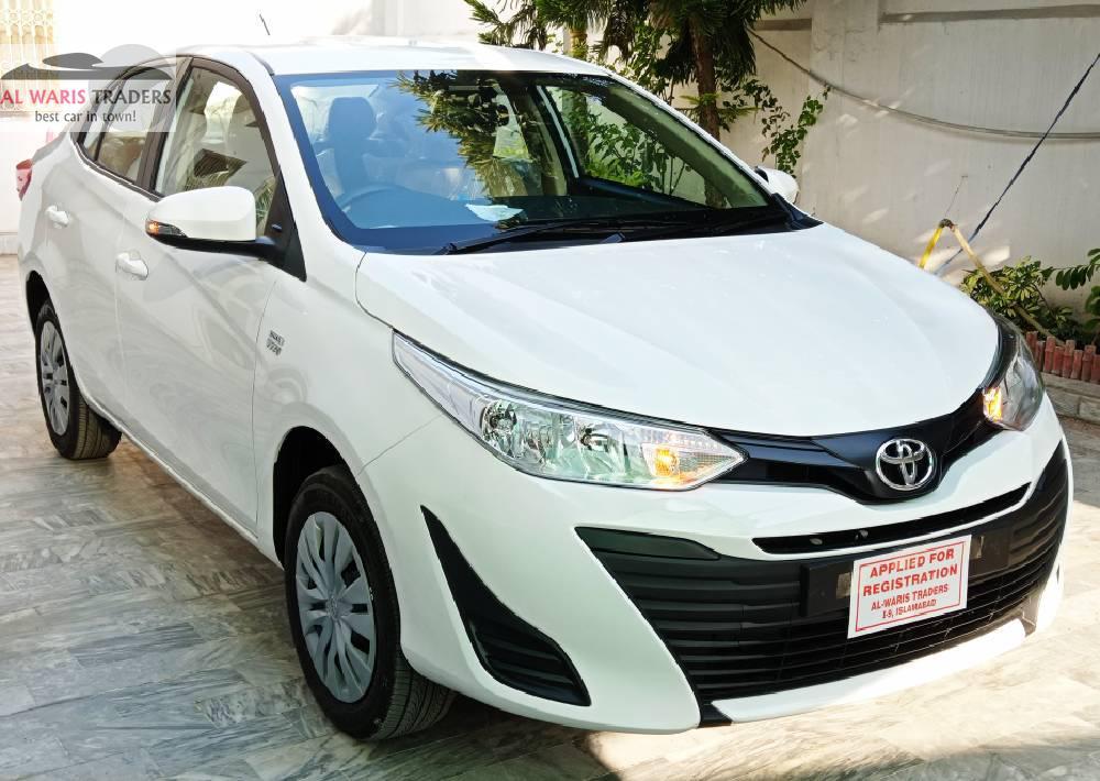 Toyota Yaris GLI CVT 1.3 2020 Image-1