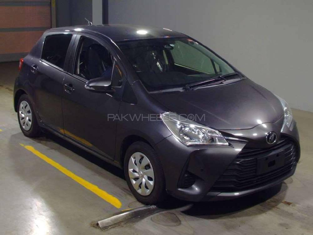 Toyota Vitz F Intelligent Package 1.0 2018 Image-1