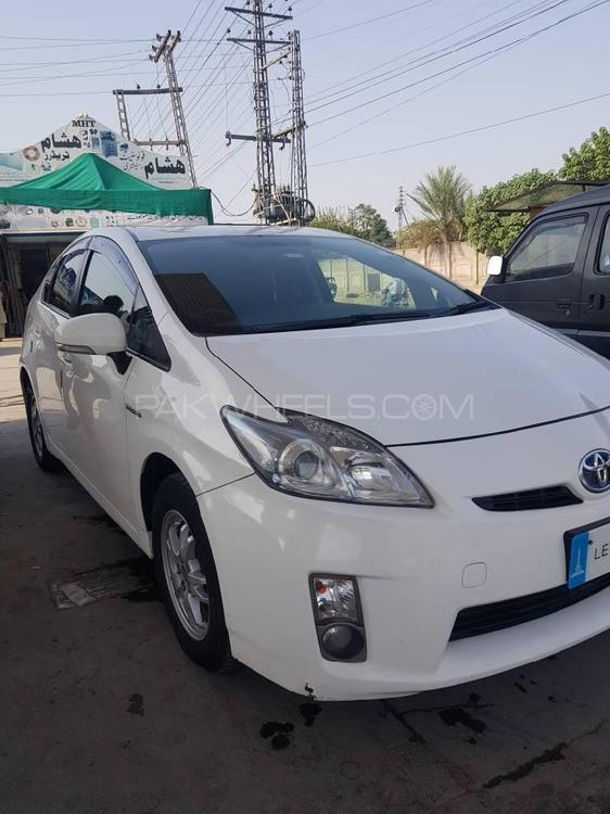 Toyota Prius S LED Edition 1.8 2011 Image-1
