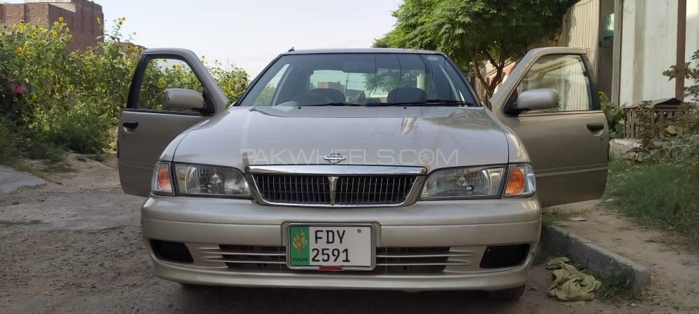 Nissan Sunny Super Saloon 1.6 2002 Image-1