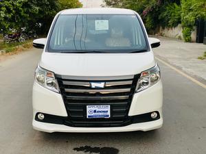 Used Toyota Noah X SMART EDITION 2014