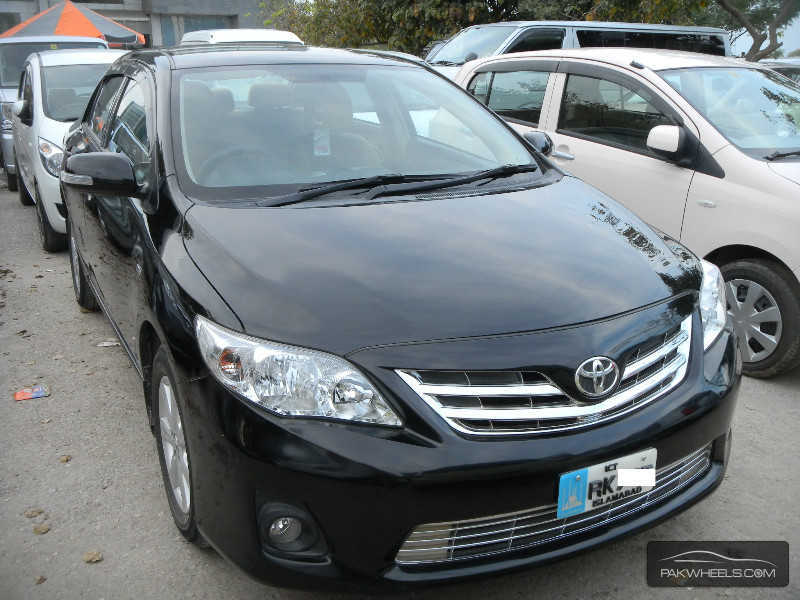 used toyota corolla gli vvti 2011 car for sale in islamabad 840526 pakwheels. Black Bedroom Furniture Sets. Home Design Ideas