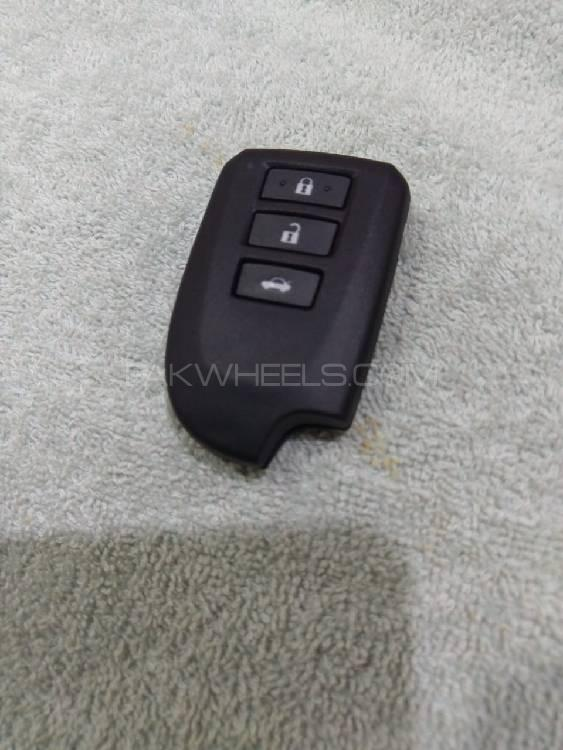 Toyota yaris new models push start remote control available Image-1