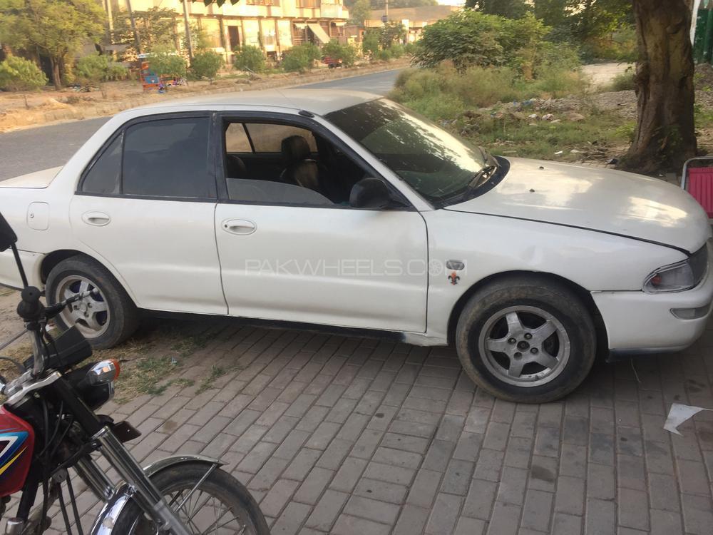 Mitsubishi Lancer GL 1993 Image-1