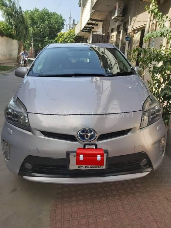 Toyota Prius S Touring Selection GS 1.8 2013 Image-1