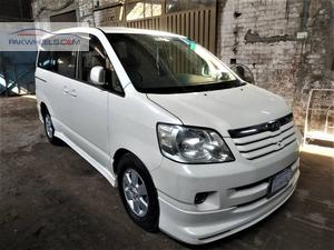 Slide_toyota-noah-x-l-selection-2002-43825330