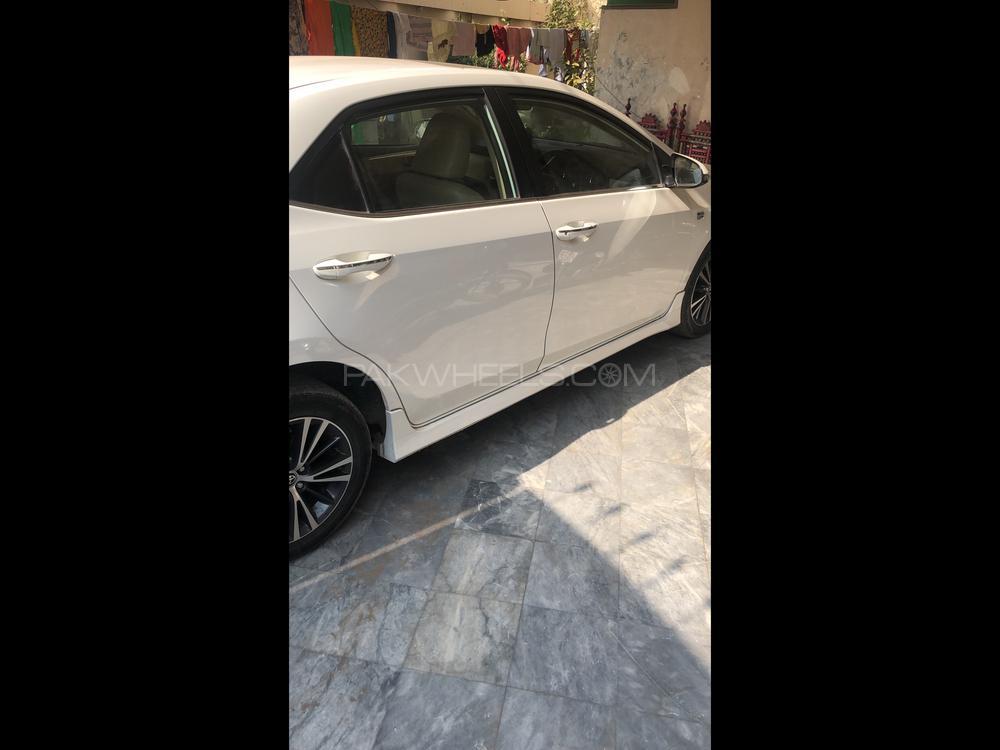 Toyota Corolla Altis Grande 1.8 2018 Image-1