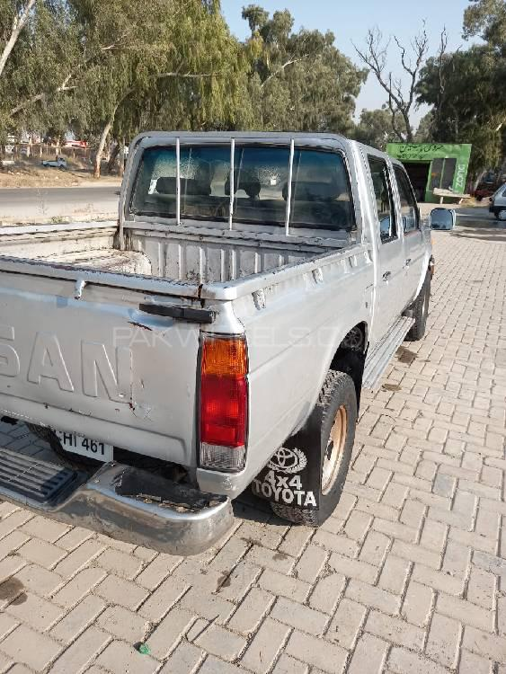 Nissan Pickup 1987 Image-1