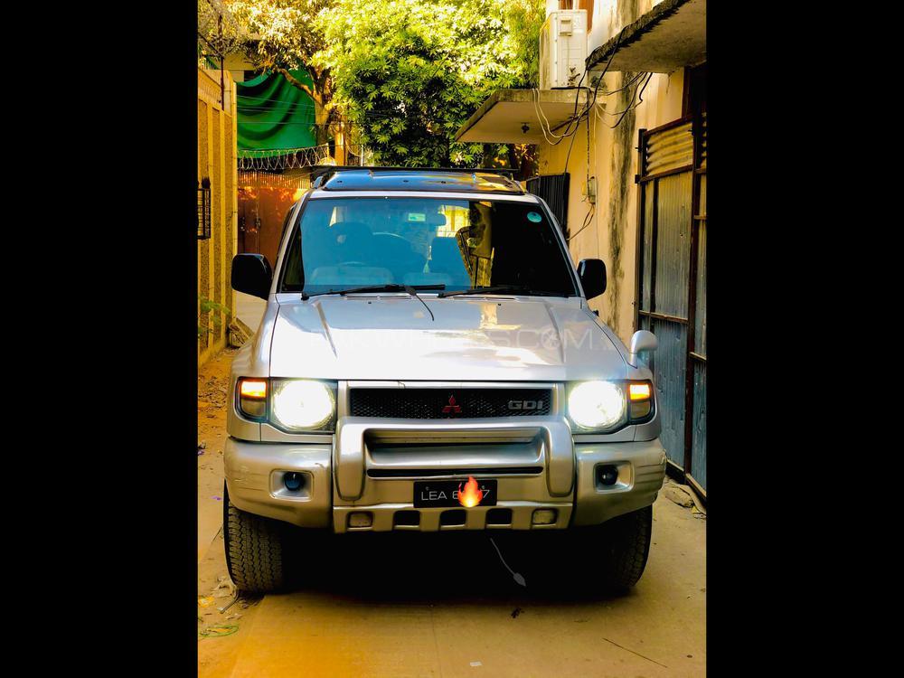 Mitsubishi Pajero Exceed 3.5 1991 Image-1