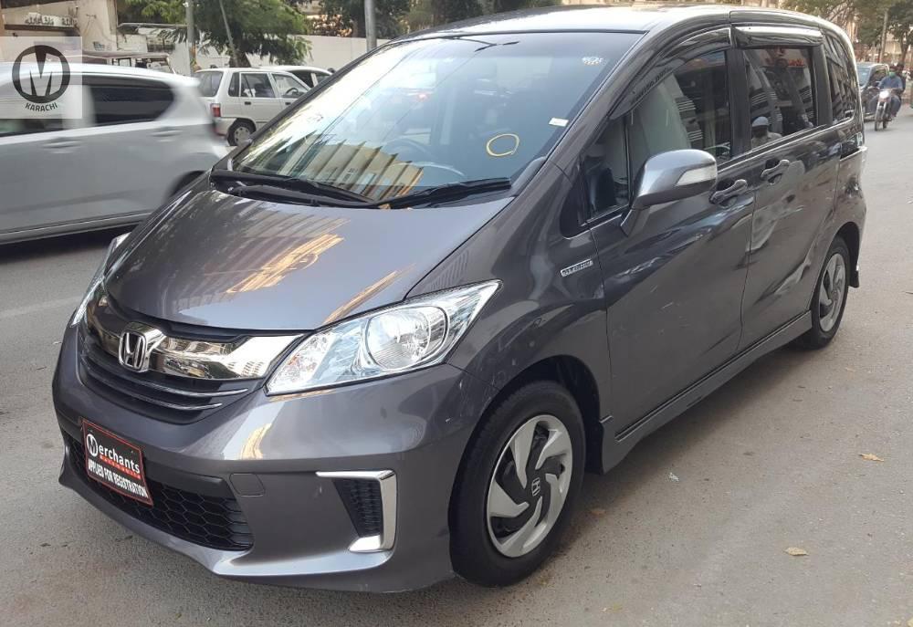 Honda Freed Hybrid 2015 for sale in Karachi | PakWheels