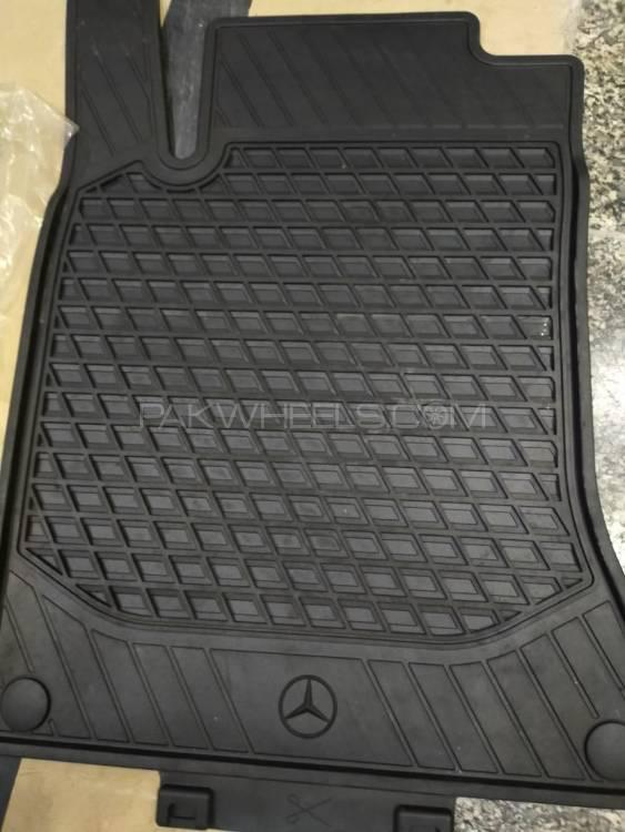 Original Mercedes Car Mat  Rubber Material Image-1
