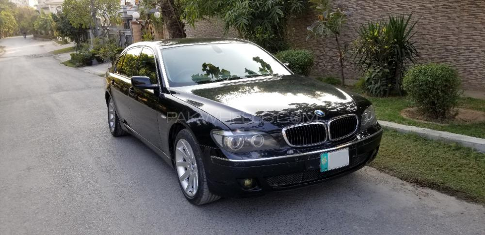 BMW 7 Series 2005 Image-1