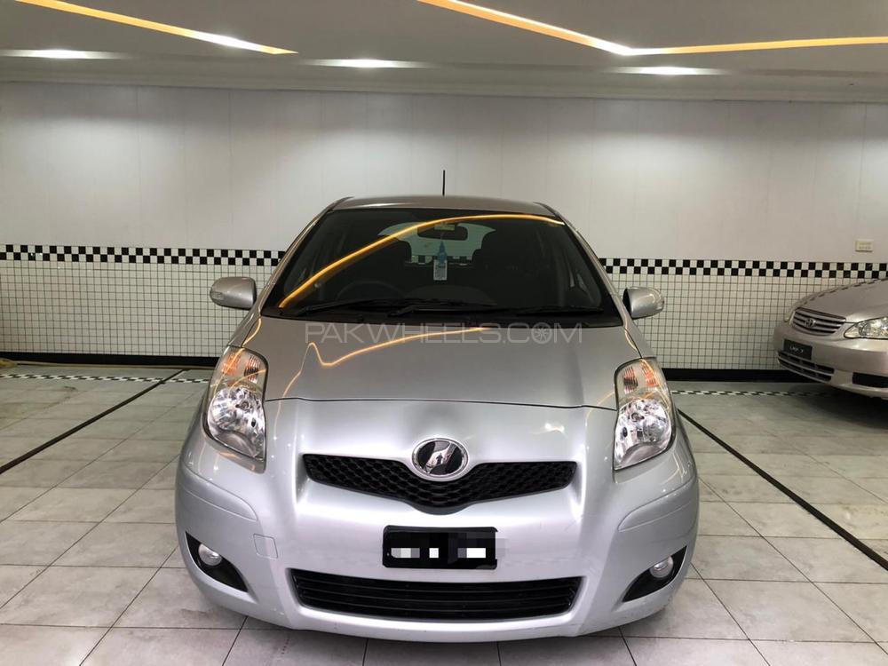 Toyota Vitz F 1.0 2009 Image-1