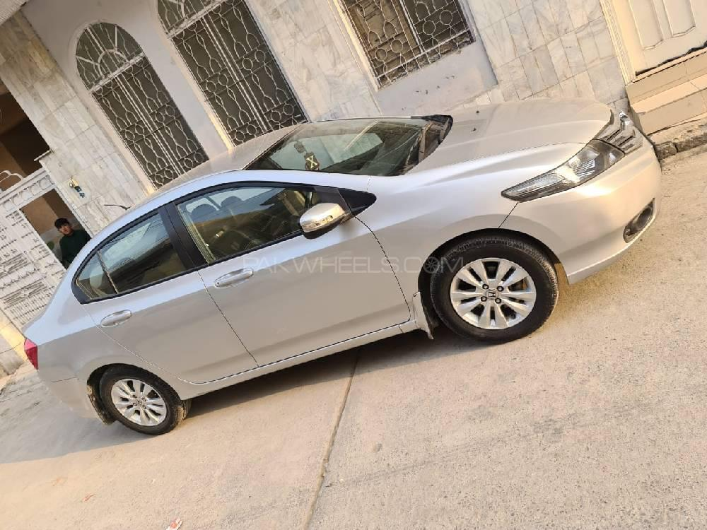 Honda City Aspire 1.5 i-VTEC 2015 Image-1