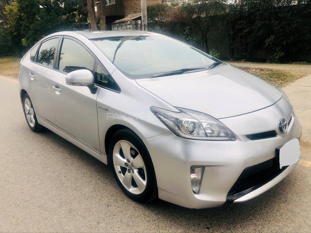 Toyota Prius G LED Edition 1.8 2014 Image-1