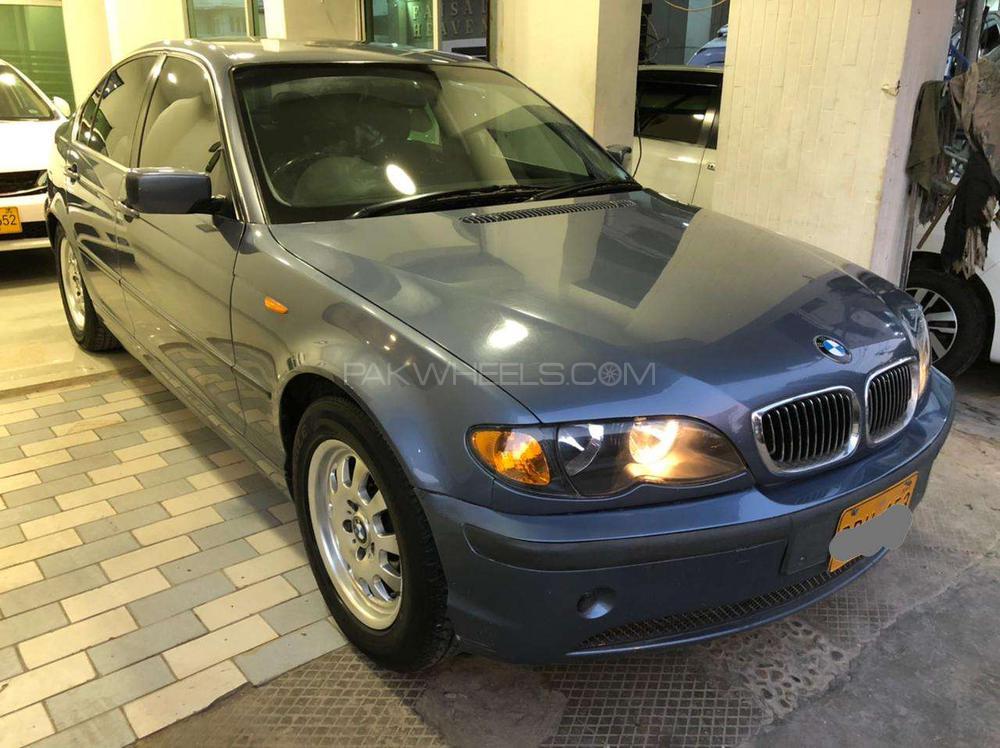 BMW 3 Series 320i 2003 Image-1