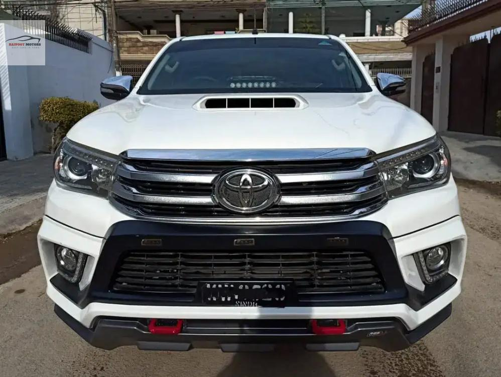 Toyota Hilux 2017 Image-1