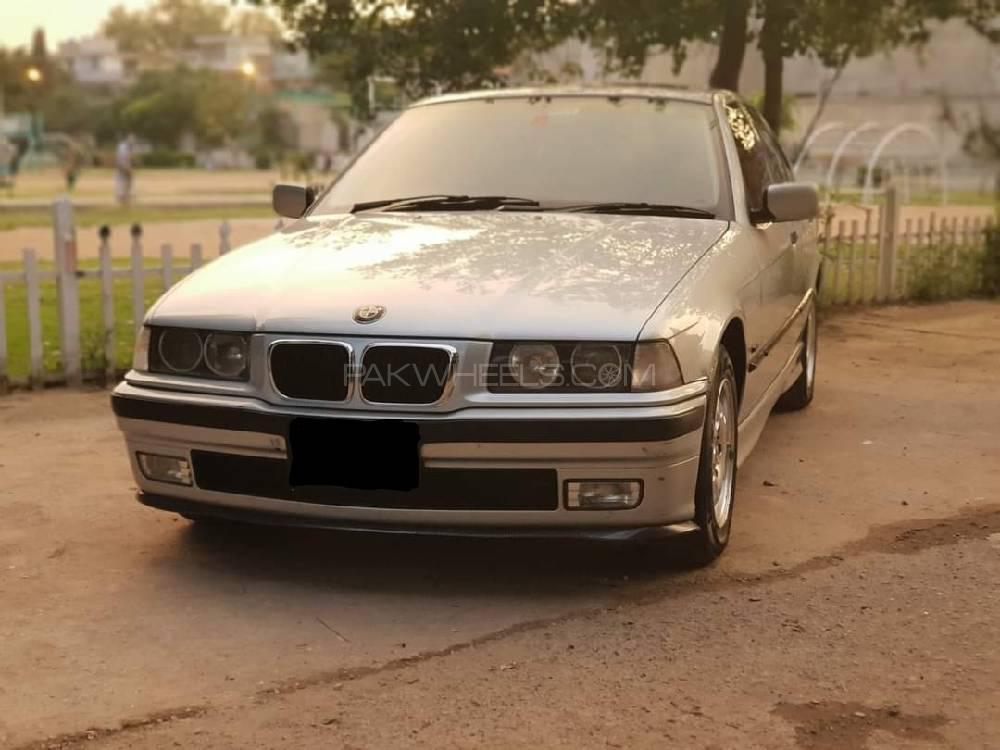BMW / بی ایم ڈبلیو 3 سیریز 318i 1999 Image-1