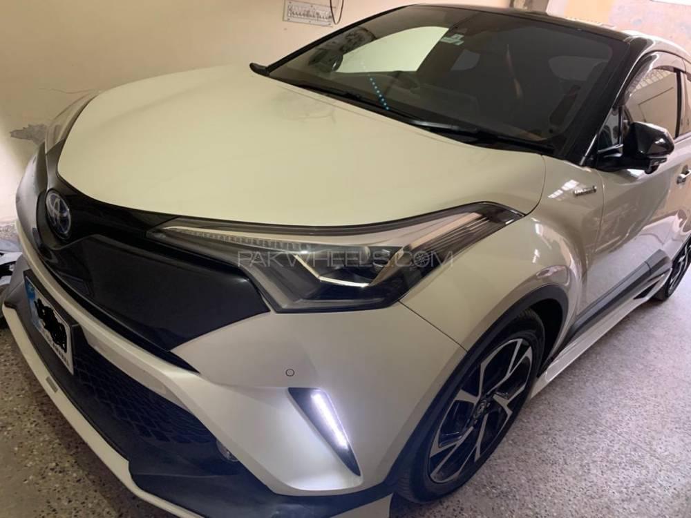 Toyota C-HR G 1.8 2019 Image-1