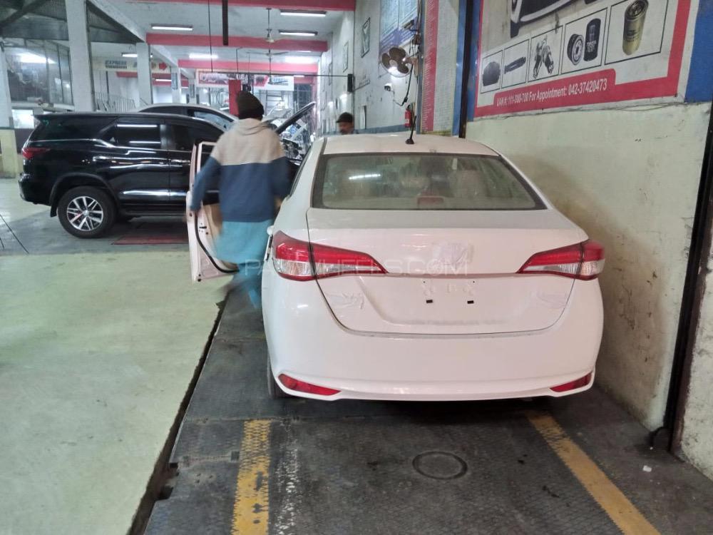 Toyota Yaris GLI MT 1.3 2021 Image-1