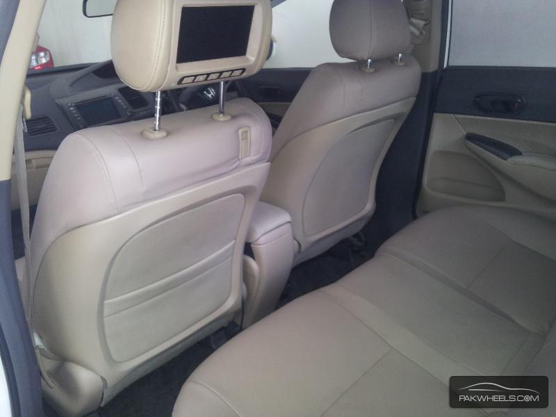 Honda Civic VTi 1.8 i-VTEC 2010 Image-4