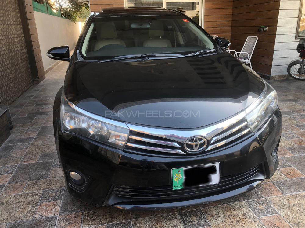 Toyota Corolla Altis Grande CVT-i 1.8 2014 Image-1