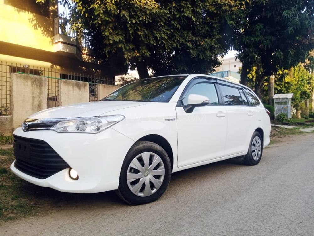 Toyota Corolla Fielder Hybrid G Aerotourer 2018 Image-1