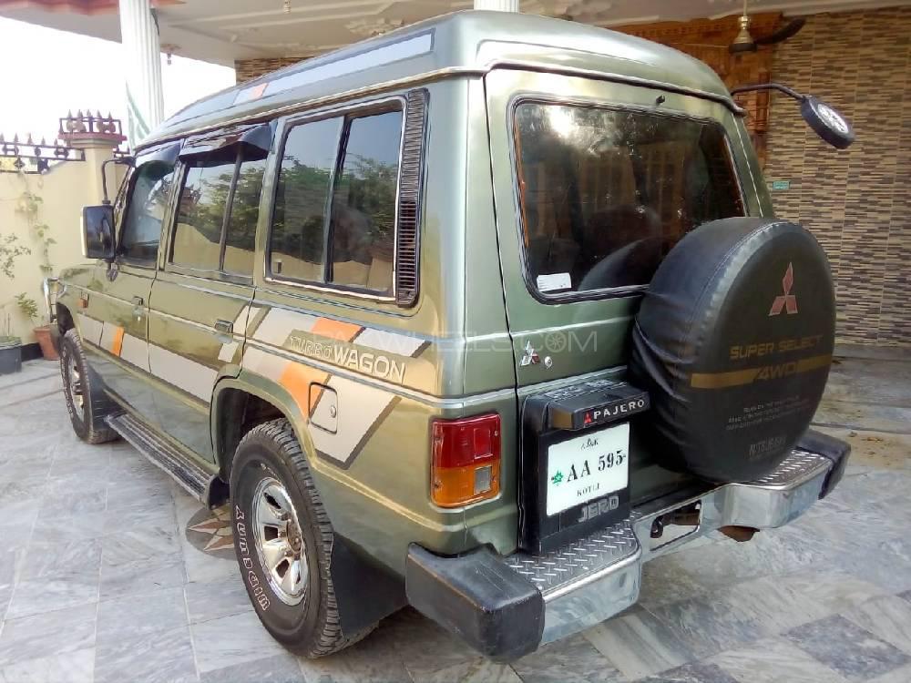 Mitsubishi Pajero Exceed 2.5D 1985 Image-1