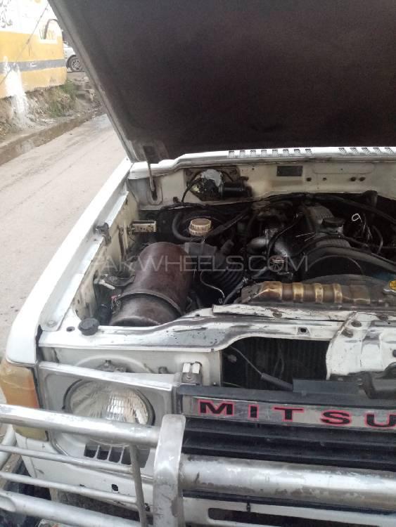 Mitsubishi Pajero Exceed 2.5D 1987 Image-1