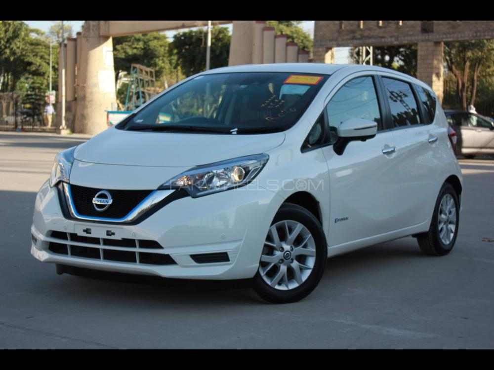 Nissan Note X 2018 Image-1